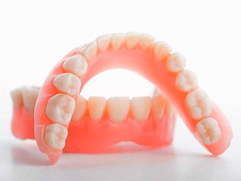Силиконовые протезы зубов
